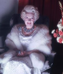 Barbara Cartland - Now that's what a Romance writer should look like! Courtesy of Wikicommons